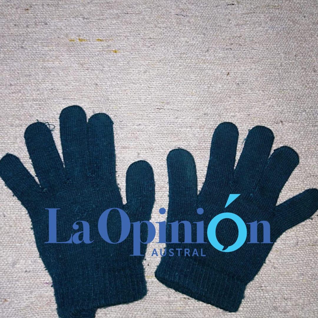 Los guantes.