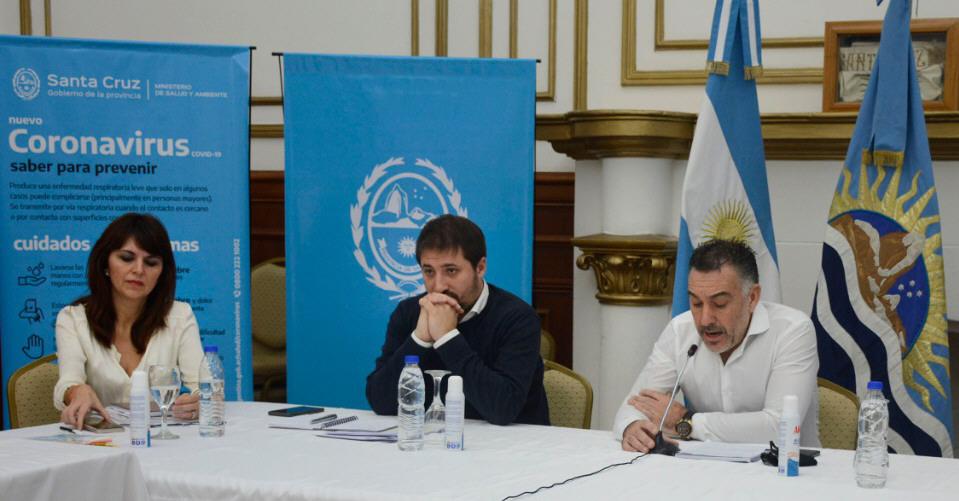 La ministra Córdoba, el ministro Zuliani y el Jefe de Gabinete, Álvarez