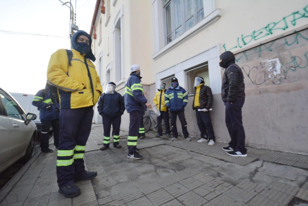 Reclamo de trabajadores del Correo. FOTO JOSÉ SILVA