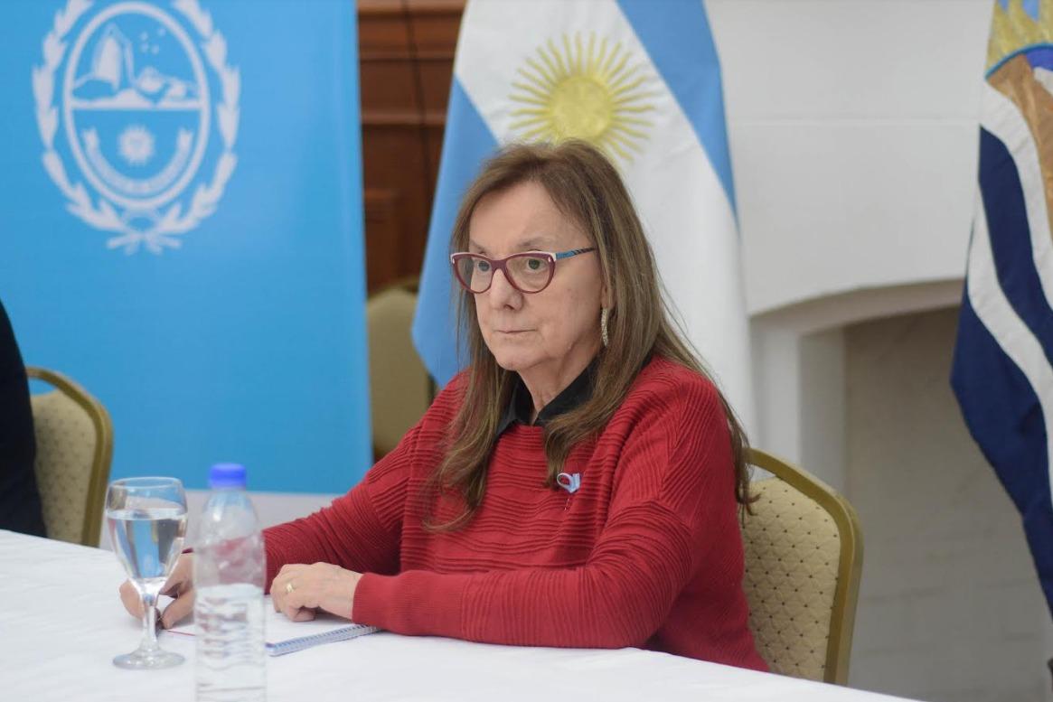 'Tenemos que seguir cuidándonos entre todos y todas', afirmó la gobernadora Alicia Kirchner. FOTO: GOBIERNO