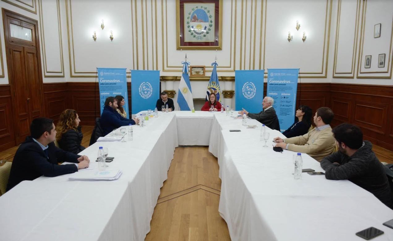 La reunión del COE contó con la participación de legisladores y representantes del Poder Judicial. FOTO: GOBIERNO