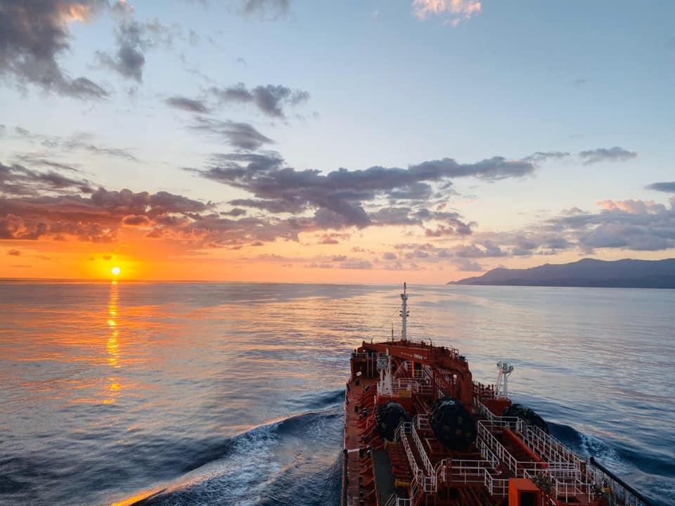 El buque en las costas del Caribe