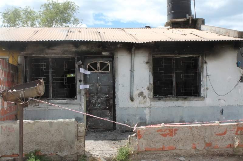 La casa donde murieron madre e hijos el 5 de enero de 2020. FOTO: DAVID CAPITANELLI / LA OPINIÓN ZONA NORTE