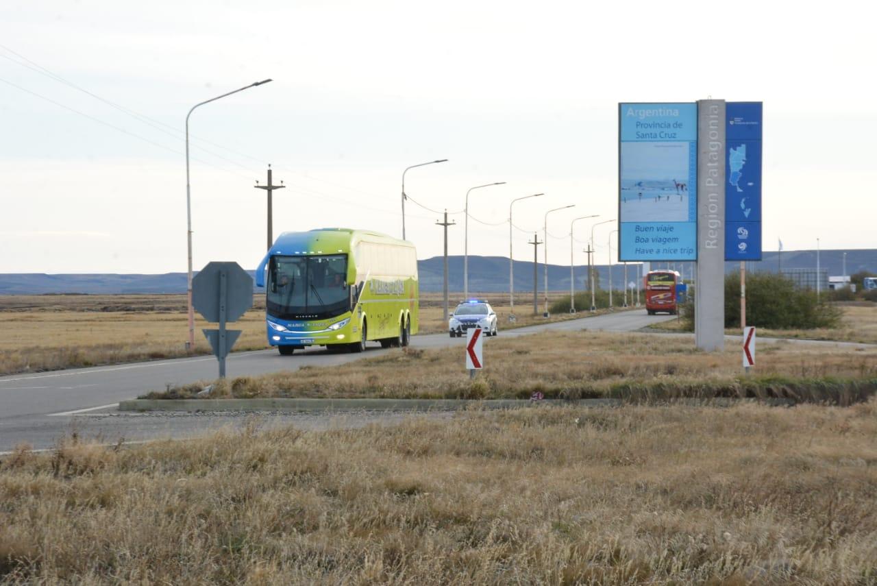 Así llegaban los colectivos desde el aeropuerto hacia la ciudad. FOTO: JOSÉ SILVA