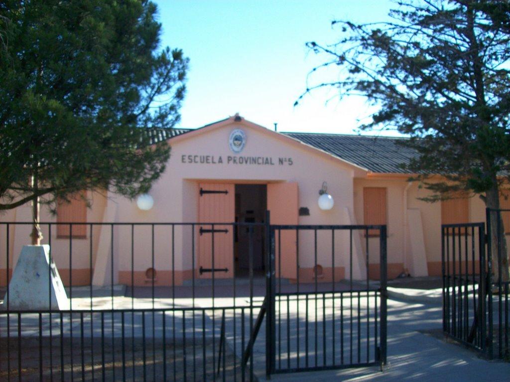 Escuela Provincial 5 de Puerto Deseado. Acá estudió Don Pedro