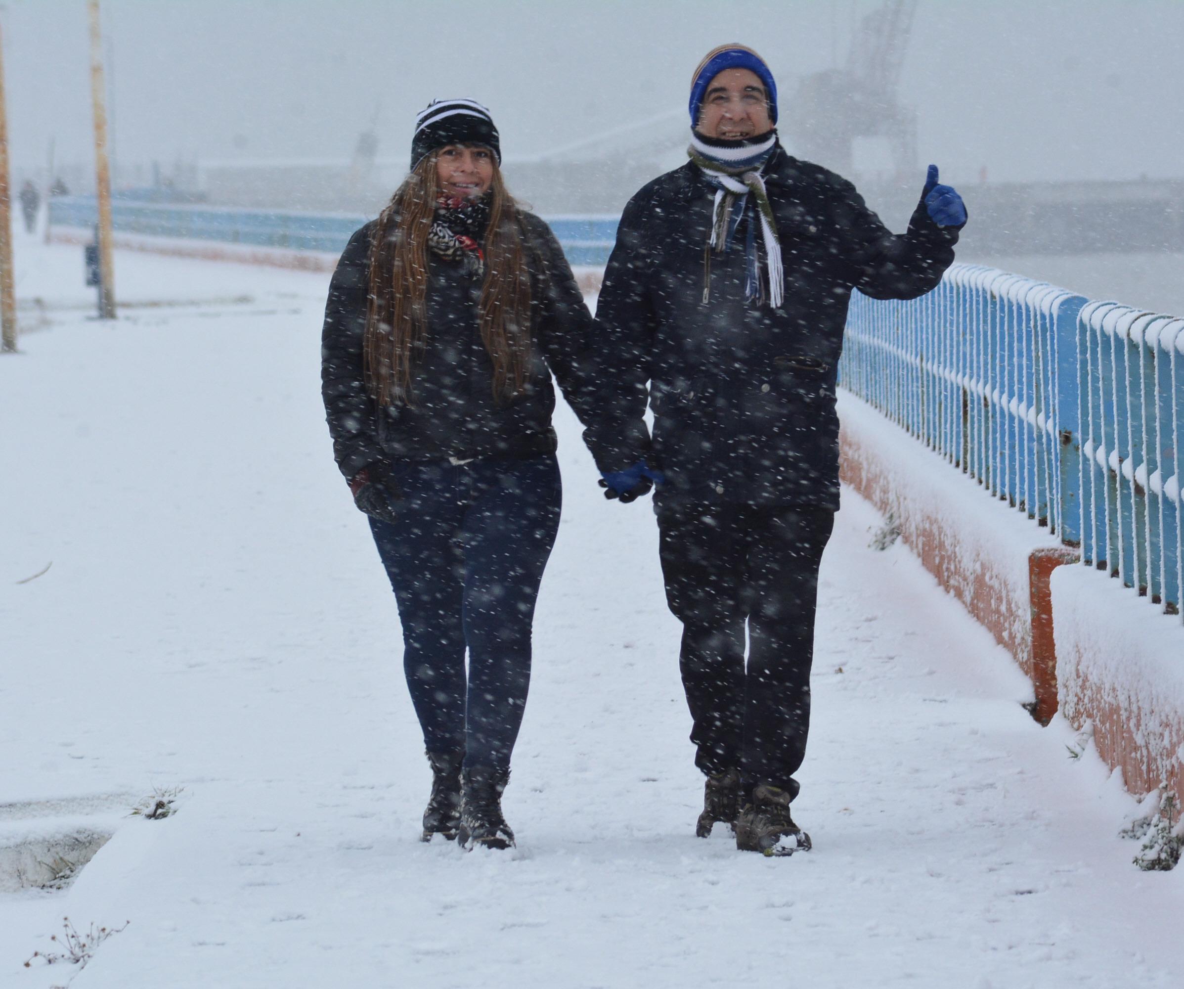 La nieve no fue impedimento para la tradicional caminata. FOTO: JOSÉ SILVA