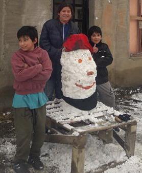 Yoel y Guille, del barrio Marina, aprovecharon la nevada.