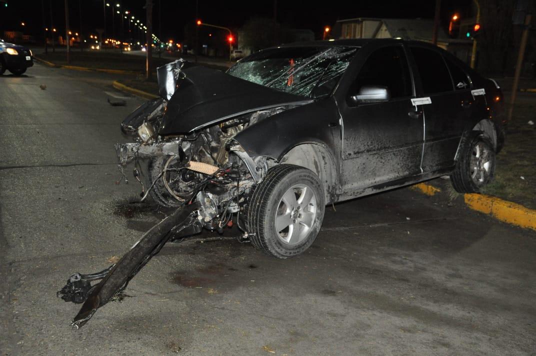 El vehículo quedó totalmente destrozado. FOTO: MIRTA VELÁSQUEZ
