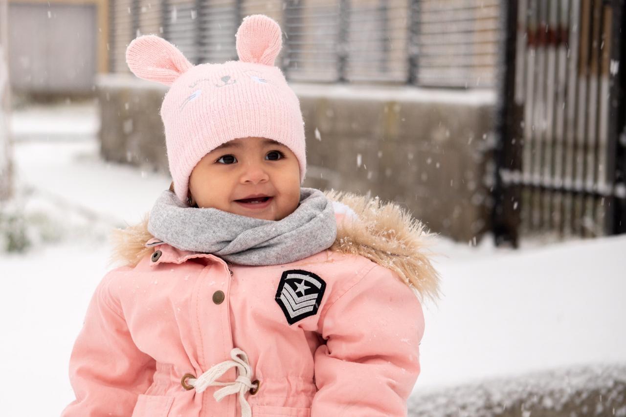 La alegría de ¿la primera nevada? FOTO. Mario Cadiz