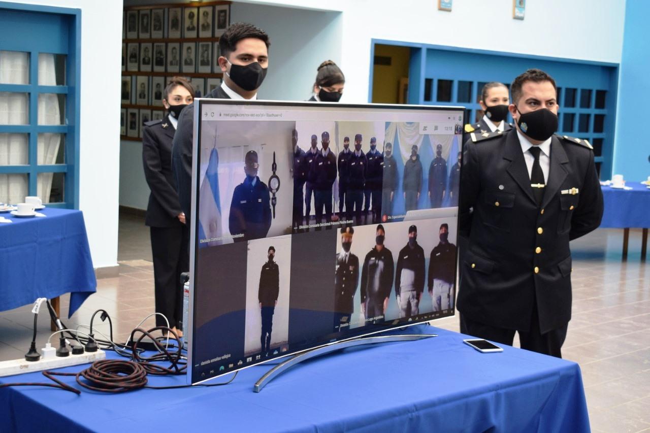 17 cadetes juraron a la Bandera mediante la plataforma virtual Zoom.