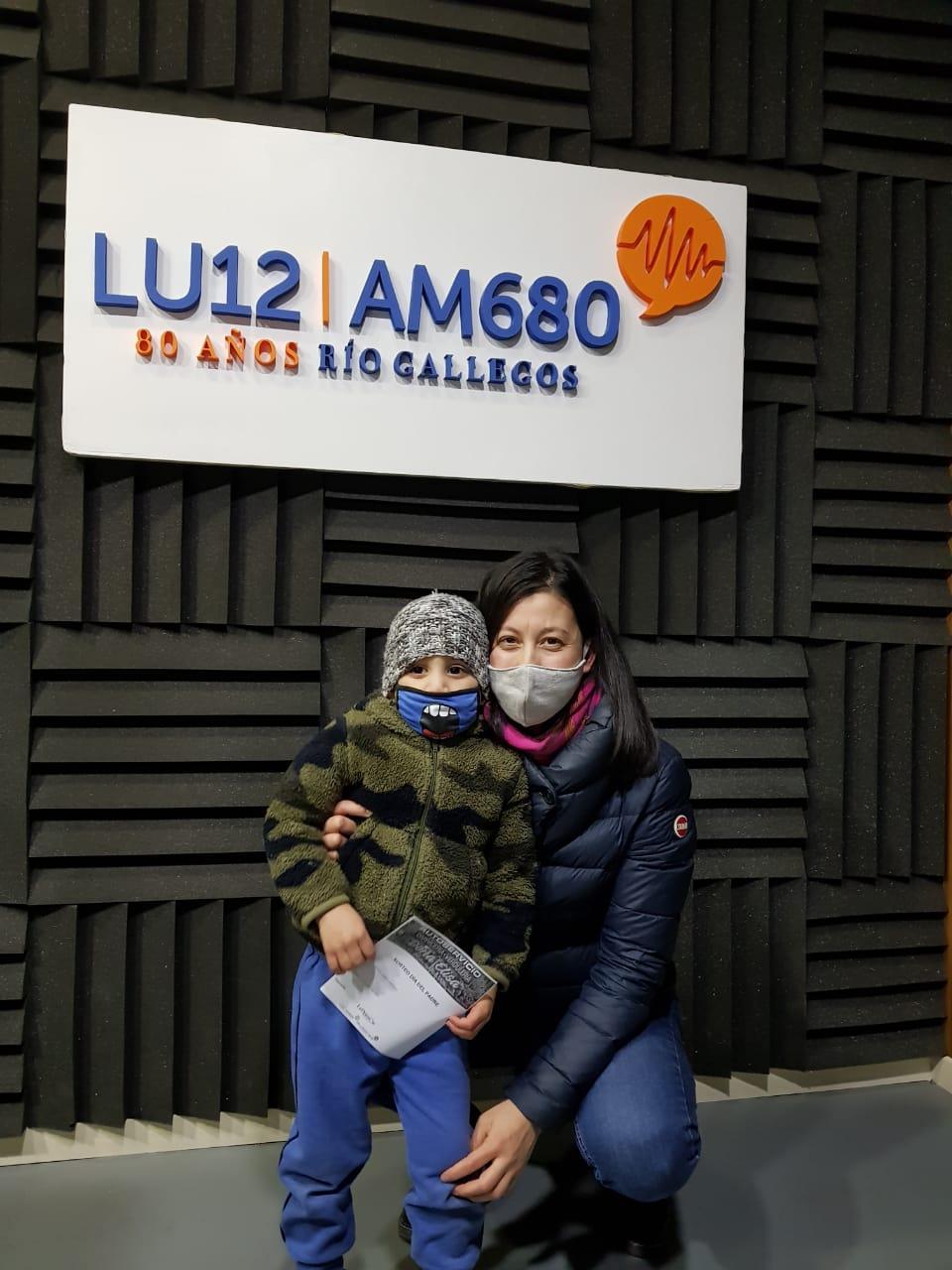 Liam Antola vino acompañada de su mamá, Romina.