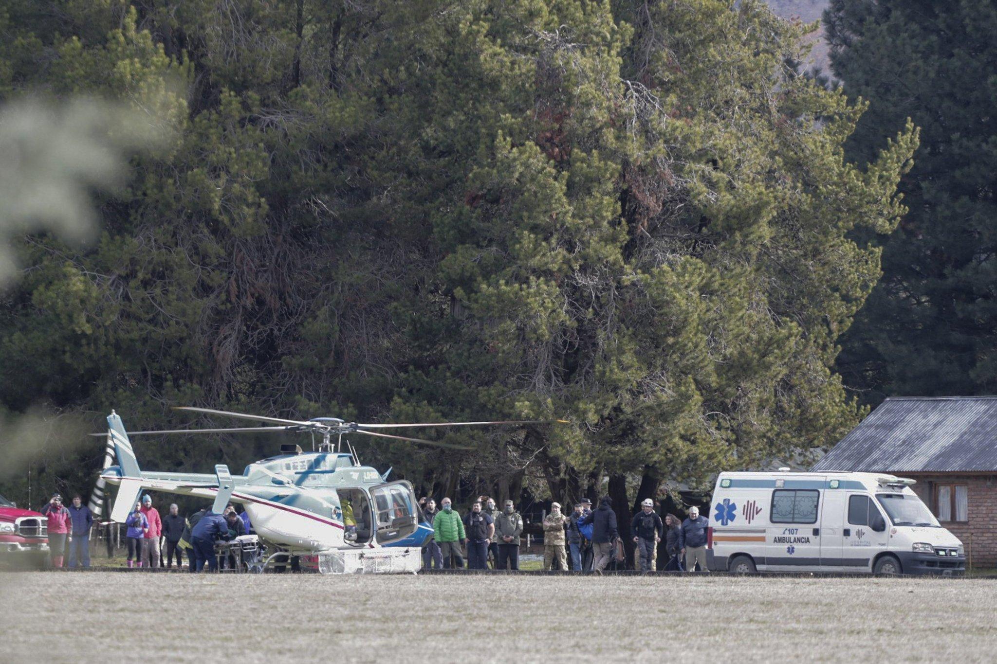 El arribo del helicópero con Ricardo Maffeis sano y a salvo. FOTO: FEDERICO SOTO