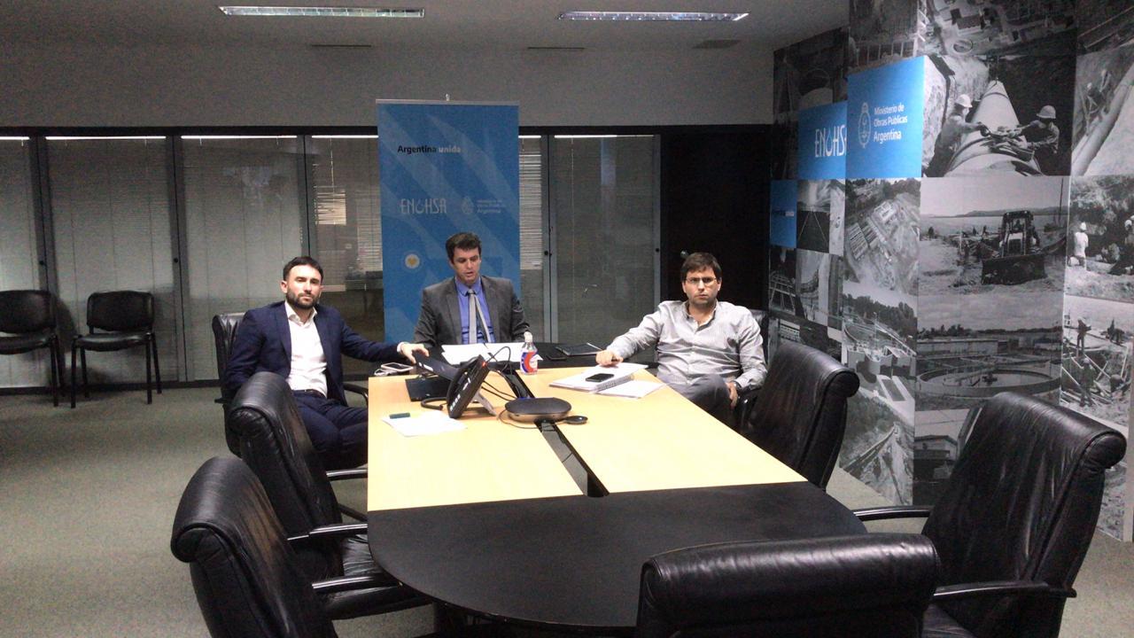 Titulares de ENOHSA en videoconferencia con los intendentes Juan Pablo Luque y Dante Bowen.