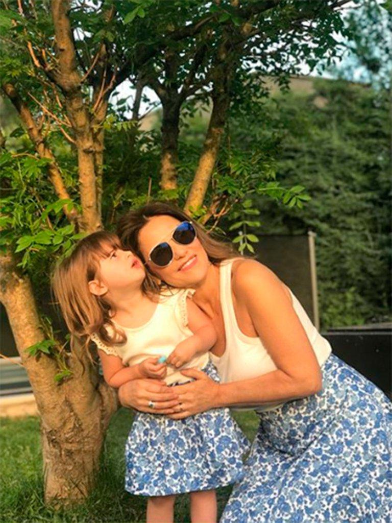 María Fernanda Callejón y su pequeña hija
