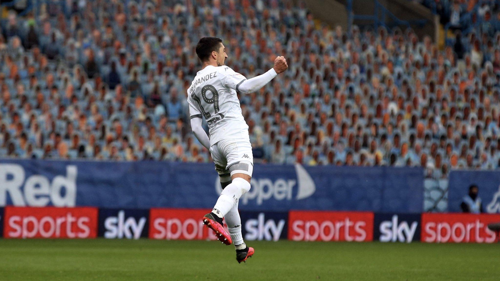 Pablo Hernández luego de convertir el gol. (Fuente: Leeds United)
