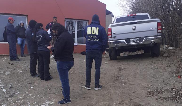 Allanamiento en Vergara Olvido 1175 para secuestrar una RAM de la familia Gómez.