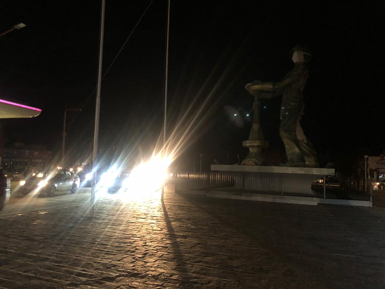 Los caletenses protestaron con un bocinazo en la noche del sábado. FOTO: EMIR SILVA