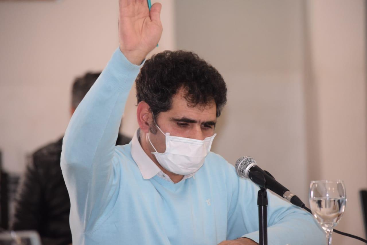 El concejal Cristian Bazán de Caleta Olivia, denunciado por violencia contra su pareja.