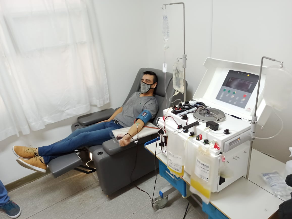 Máquina de aféresis con la que se extrae el plasma de los pacientes recuperados.