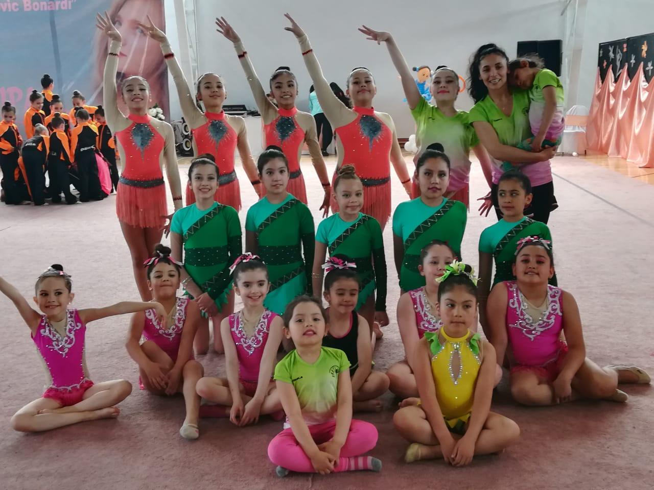 La Escuela participando en un certamen en Chile.
