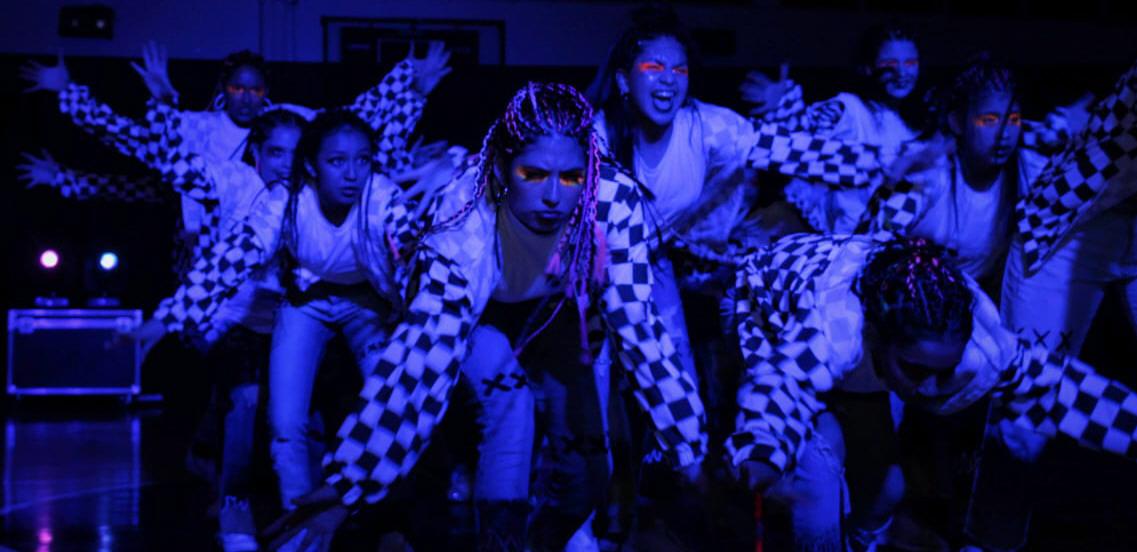 La Escuela de Danzas en la muestra de step one, en el gimnasio Juan Bautista Rocha.