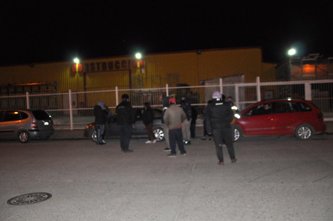 Familiares de presos del Módulo 6 preocupados por los detenidos. FOTO: MIRTA VELÁSQUEZ