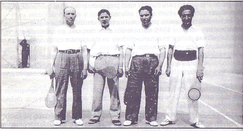 Jugadores históricos de pelota a paleta en el Atlético Boxing Club.