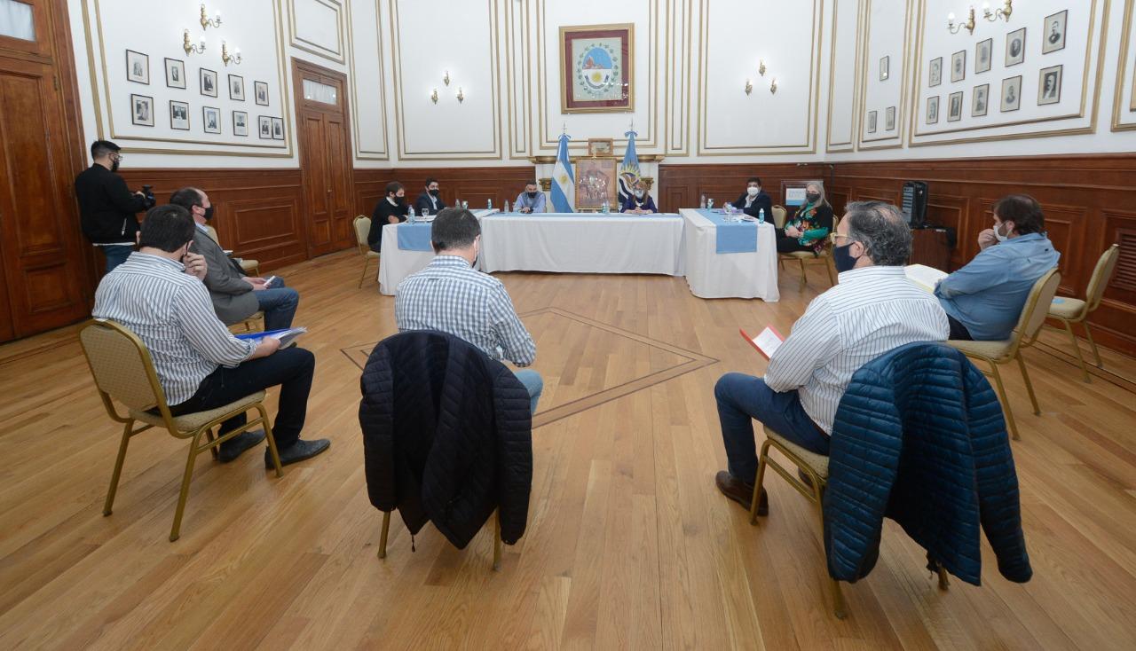 Legisladores de la oposición participaron del COE de la provincia de Santa Cruz.