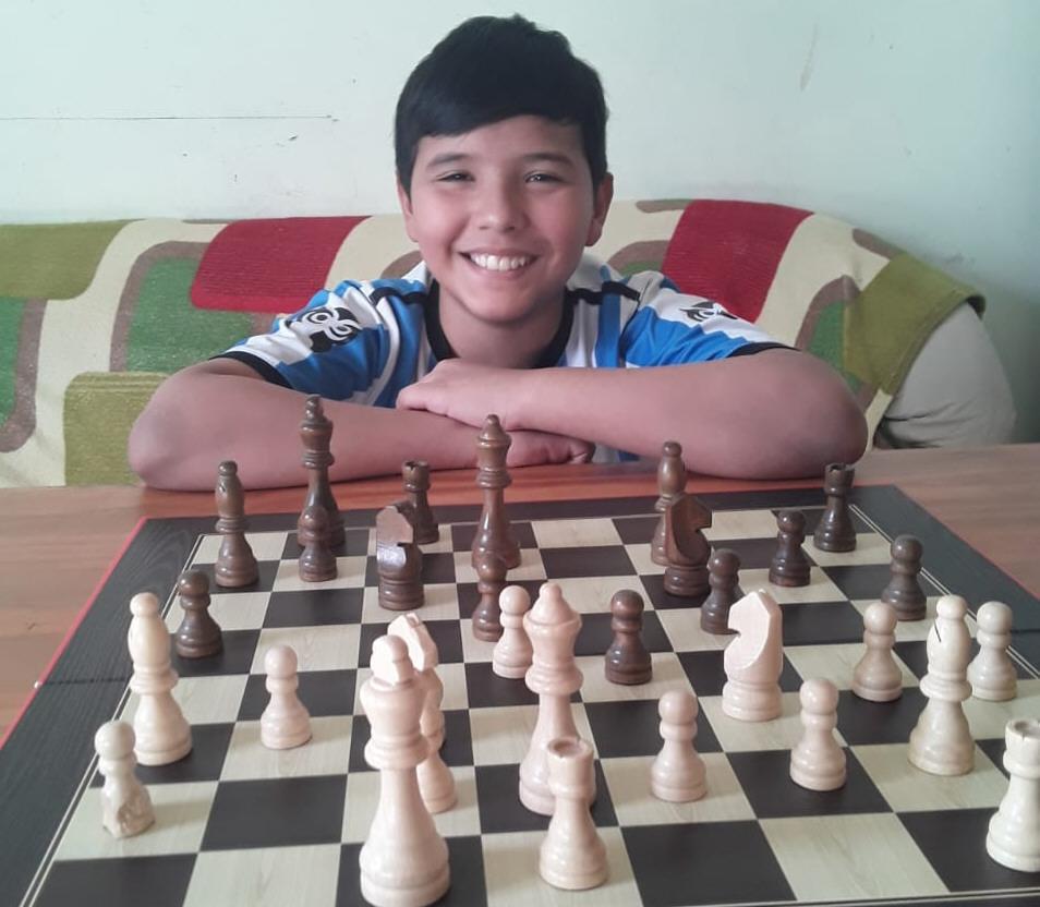 Lucas Javier Lorenzo Reyes. 10 años. Río Gallegos.