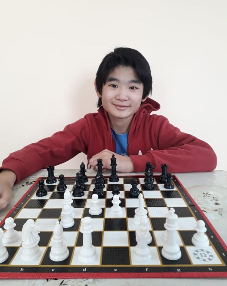 Federico Tokumori Matayoshi. 12 años. El Calafate.