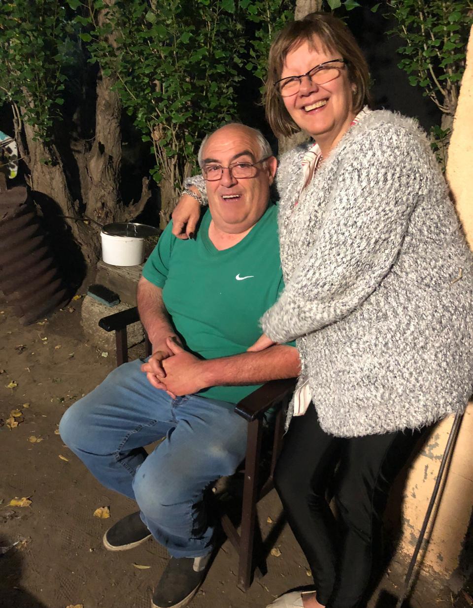 solda junto a Vicente Bull, su marido. Logró el alta en abril.