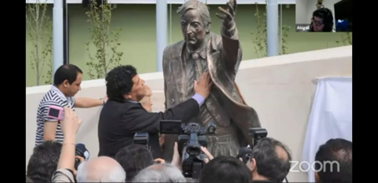 Rudy Ulloa le hizo un monumento en el barrio Del Carmen de Río Gallegos 'en el lugar donde comenzó todo'. FOTO: ARCHIVO LA OPINIÓN AUSTRAL.