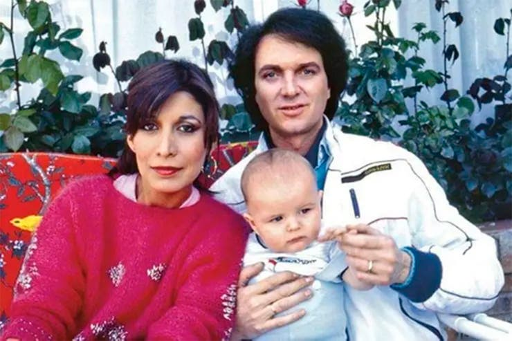 Camilo Sesto junto a su hijo y su entonces pareja Lourdes Ornelas.