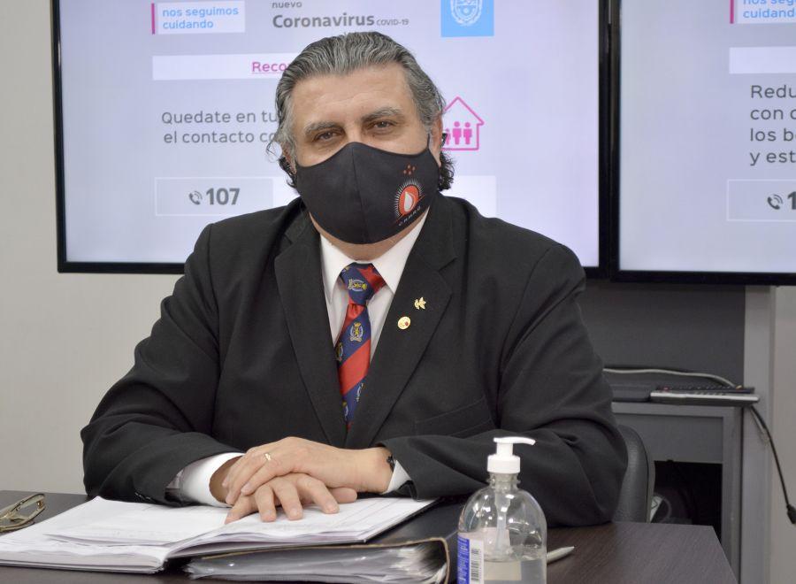 Dr. José Gutiérrez, en uno de los mensajes audiovisuales del Ministerio de Salud y Ambiente.