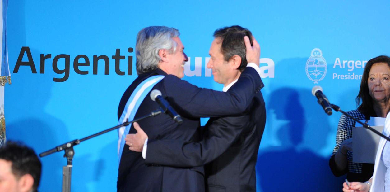 El presidente Alberto Fernández toma juramento a los ministros de gobierno (2019)