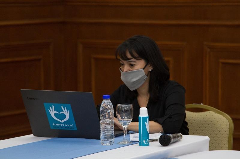 Paula Ludueña, presidenta del Tribunal Superior de Justicia, estuvo presente en el acto.