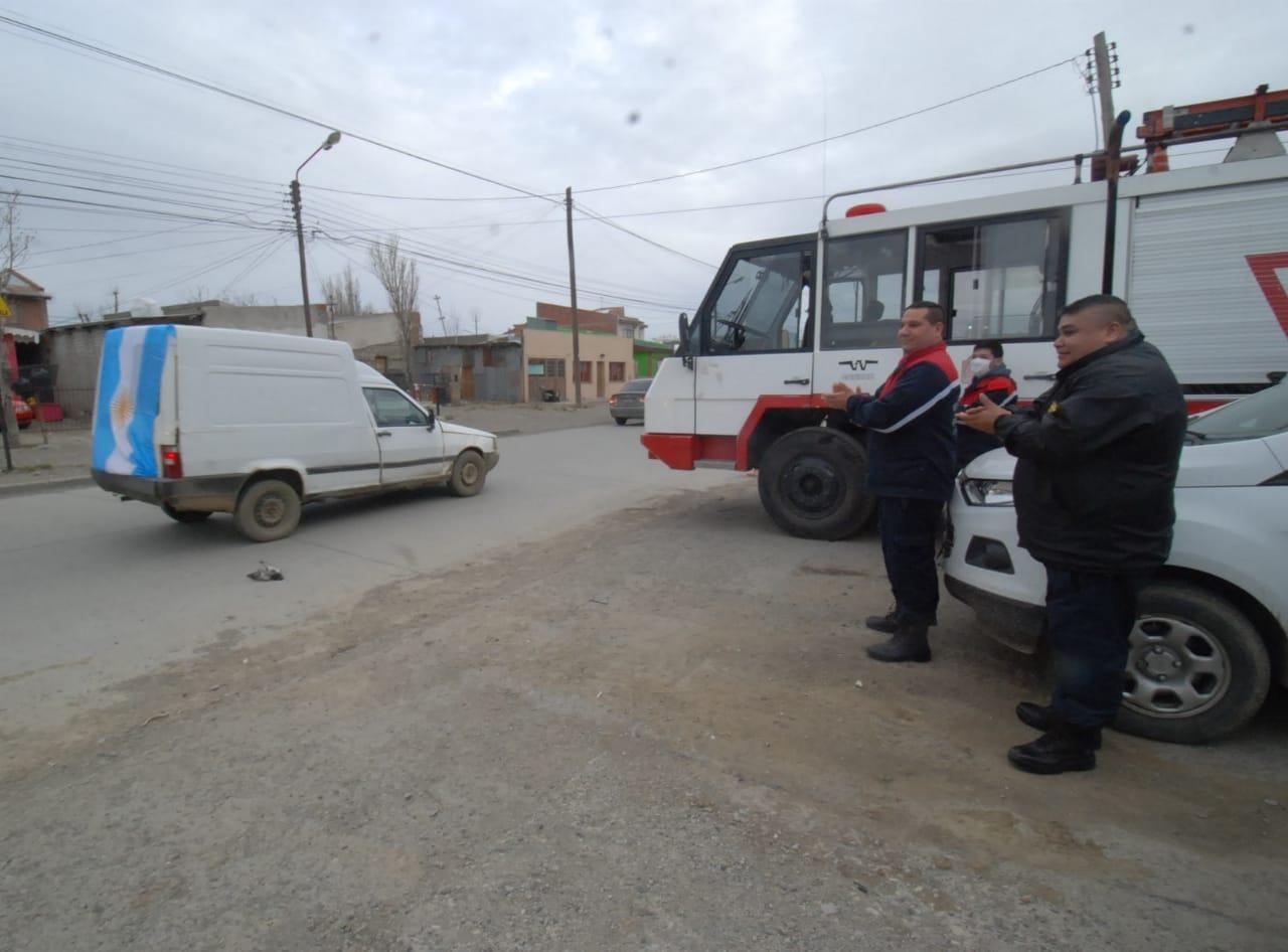 La caravana policial recorrió varios puntos de Río Gallegos. FOTO: JOSÉ SILVA.