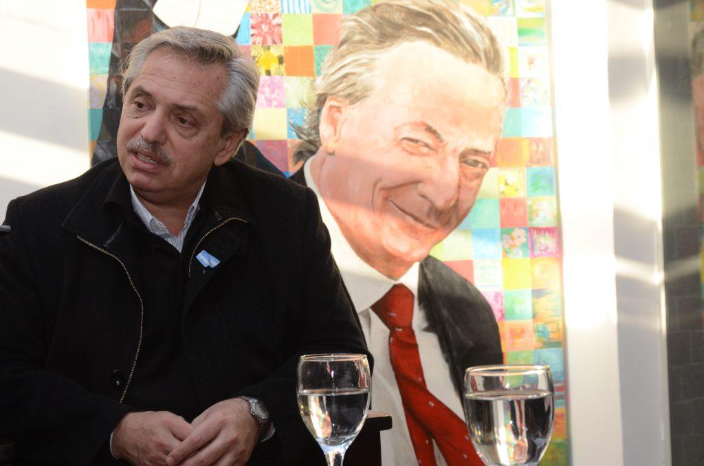Alberto Fernández estuvo en Río Gallegos el día después de convertirse candidato a presidente del Frente de Todos. FOTO: JOSÉ SILVA / LA OPINIÓN AUSTRAL.