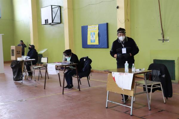 En la capital santacruceña hubo cuatro lugares de votación. Foto: Mirta Velásquez/La Opinión Austral