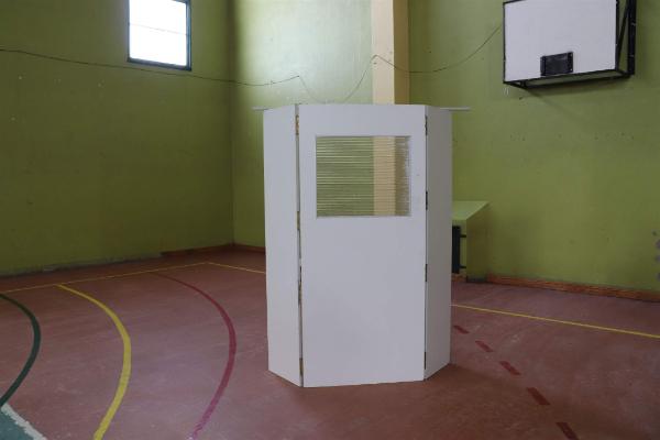 Los votantes debieron presentarse de acuerdo al cronograma definido por DNI. Foto: Mirta Velásquez/La Opinión Austral