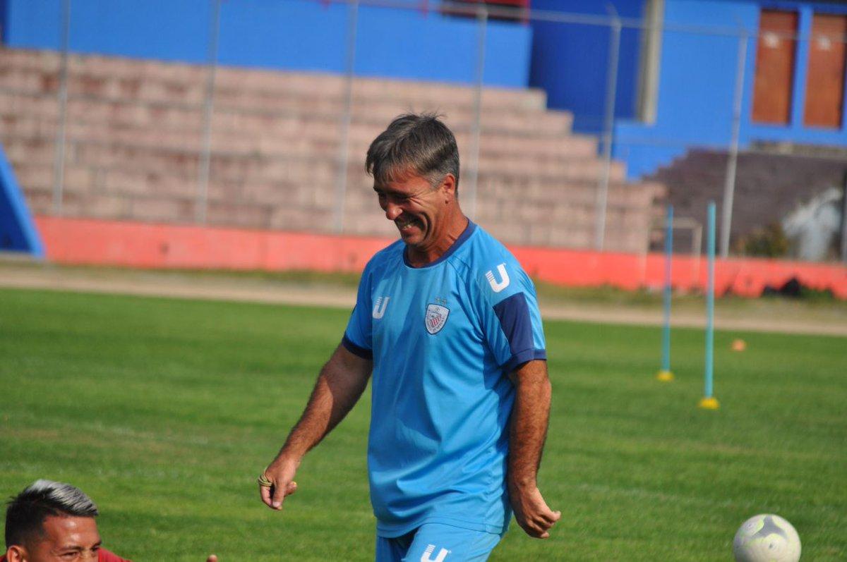 Martín Brignani, entrenador de Estudiantes de Mérida.