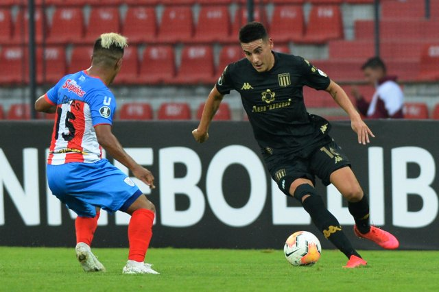 Con goles de Nicolás Reniero y Matias Zaracho, Racing venció 2 a 1 a Estudiantes de Mérida.