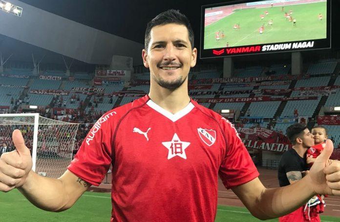 El defensor salió campeón de la Suruga Bank con el rojo en 2018.