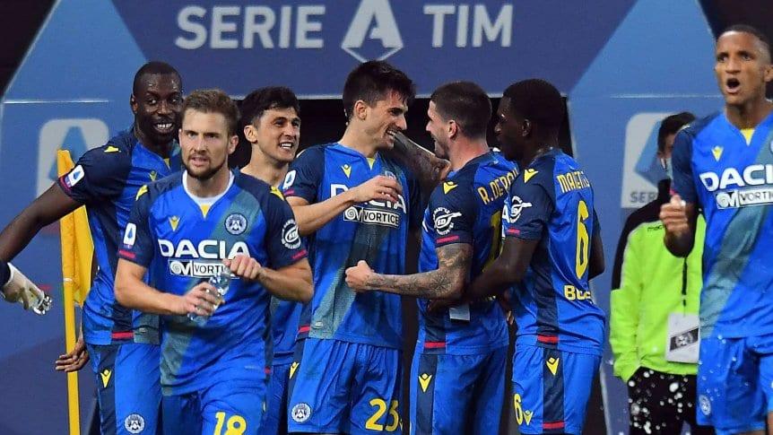 Todos a abrazarlo: Nacho Pusseto convirtió a los 88' el 3 a 2 para el Udinese