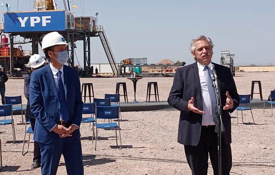 Los anuncios junto al gobernador de Neuquén, Omar Gutiérrez