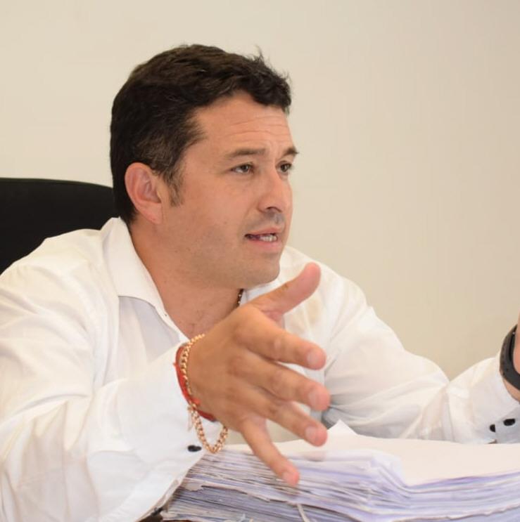 Dr. Gabriel Contreras.