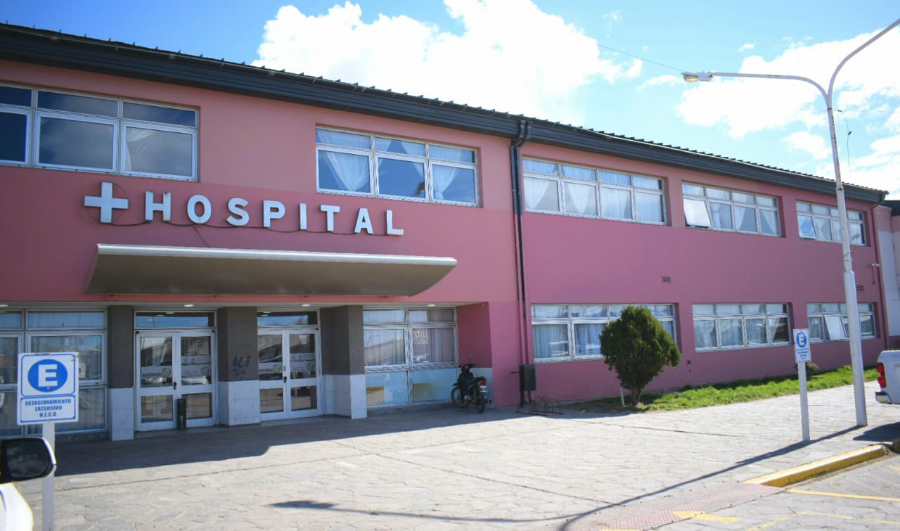 El hecho ocurrió en el primer piso del Hospital Zonal Pedro Tardivo.