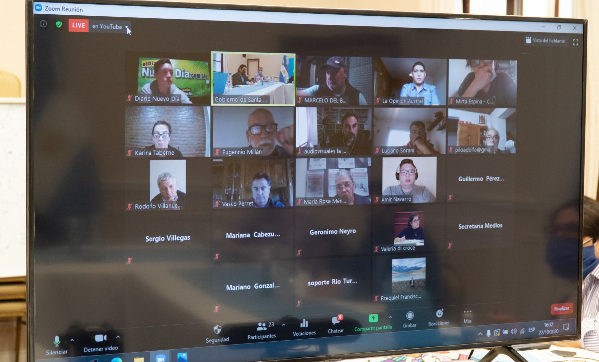 La participación de los periodistas se hizo vía Zoom. La Opinión Austral estuvo presente.