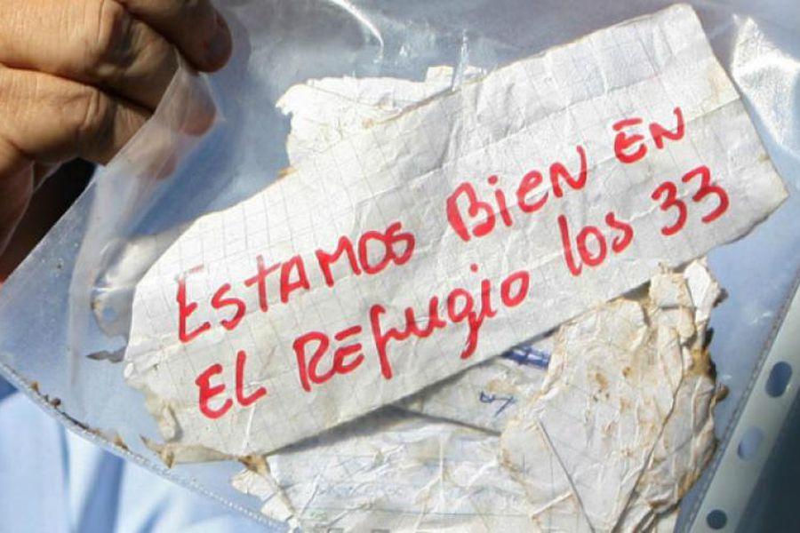 'Estamos bien en el refugio los 33', fue el mensaje de José Ojeda, uno de los mineros rescatados.
