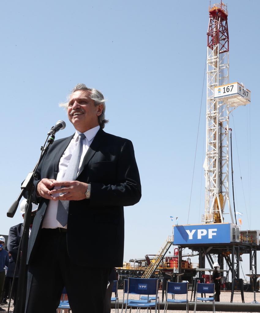 Alberto en el centro de la producción de gas y petróleo no convencional en la formación Vaca Muerta.